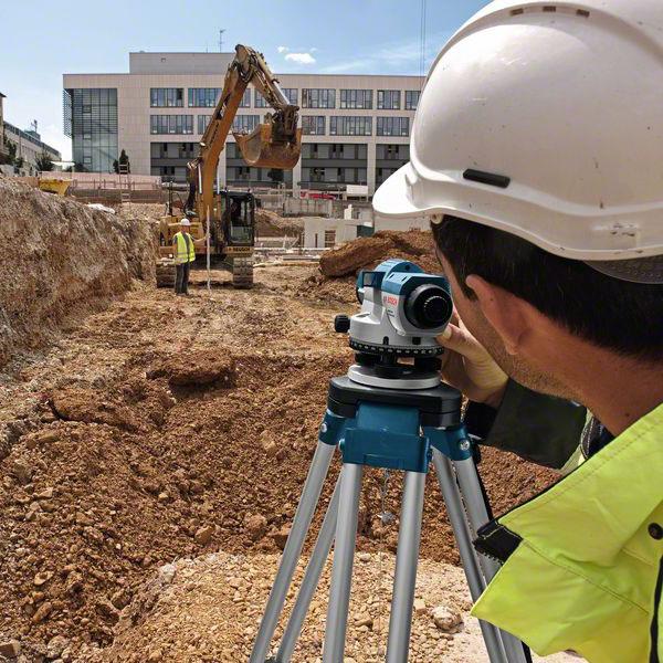 Геодезическое сопровождение строительных работ (фото)