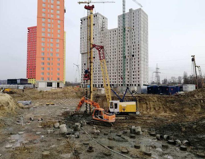 Олимпия Билд: Киев, Свитлопарк, 2-я очередь, дом №4, 281 свая L-16m