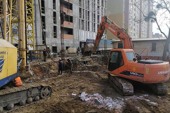 Бурение подпорных стен из буронабивных свай в Киеве